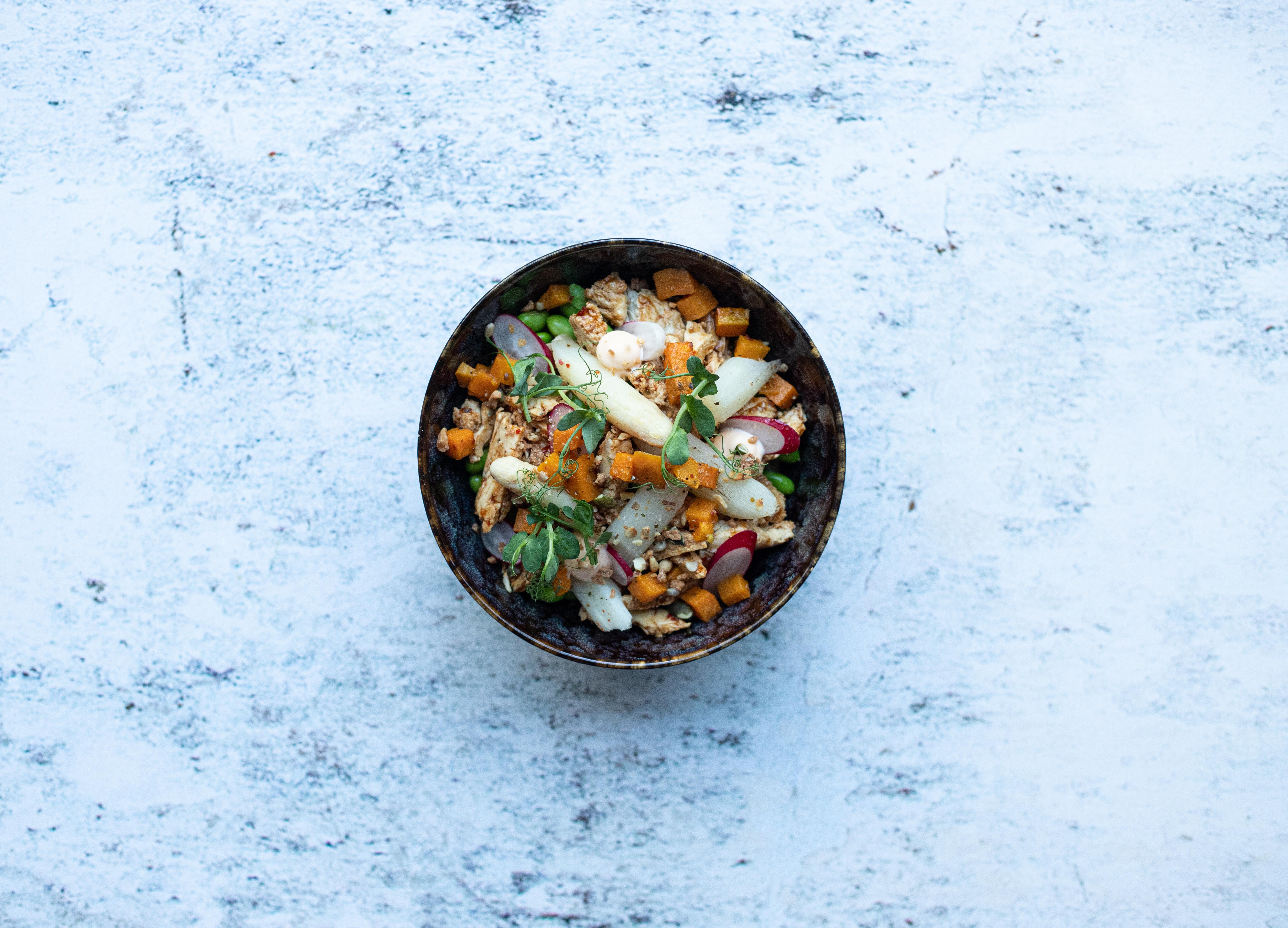 No chicken Salade Takoyaki en asperge (vegetarisch)