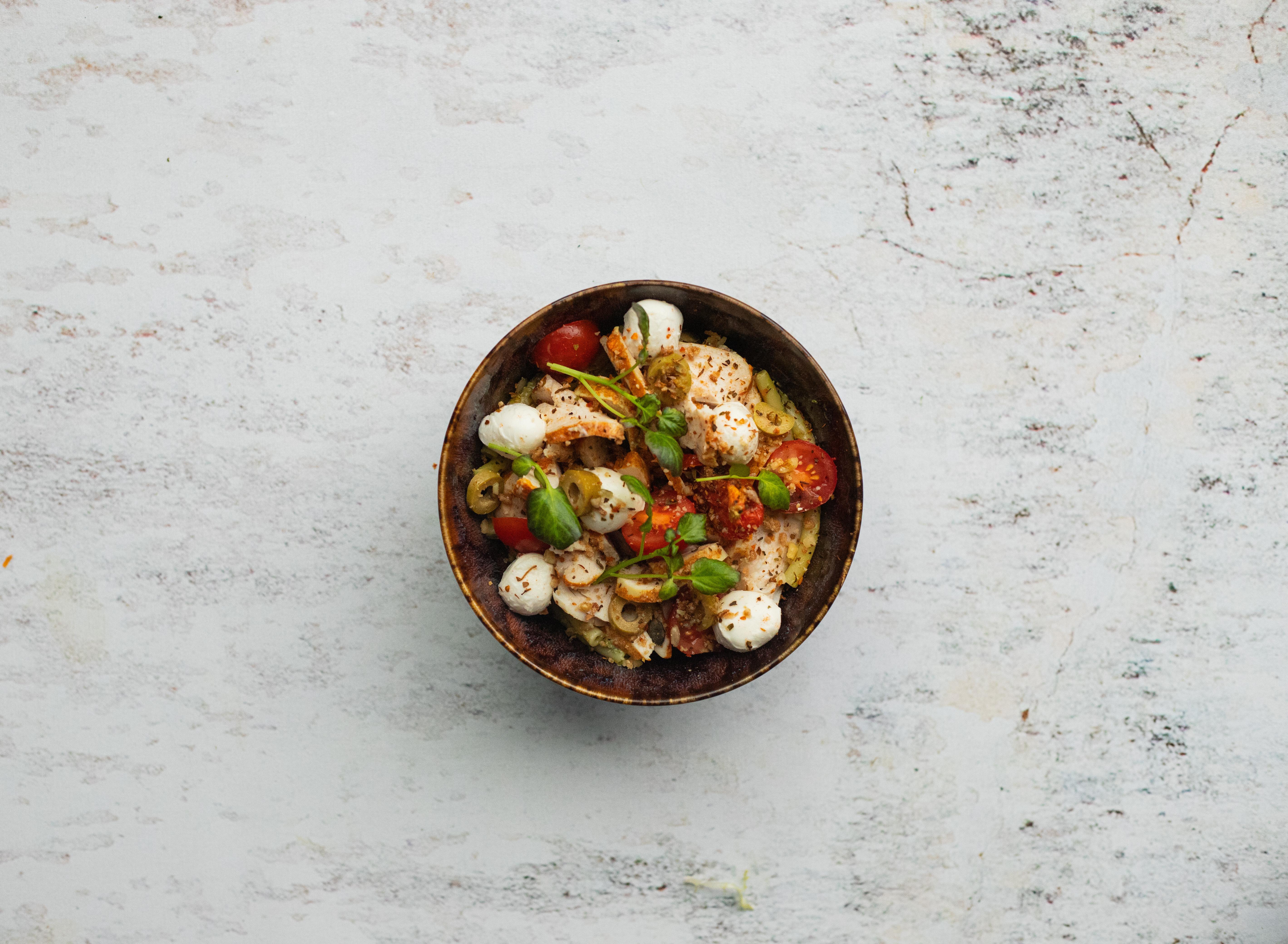 Salade pasta pesto met kip