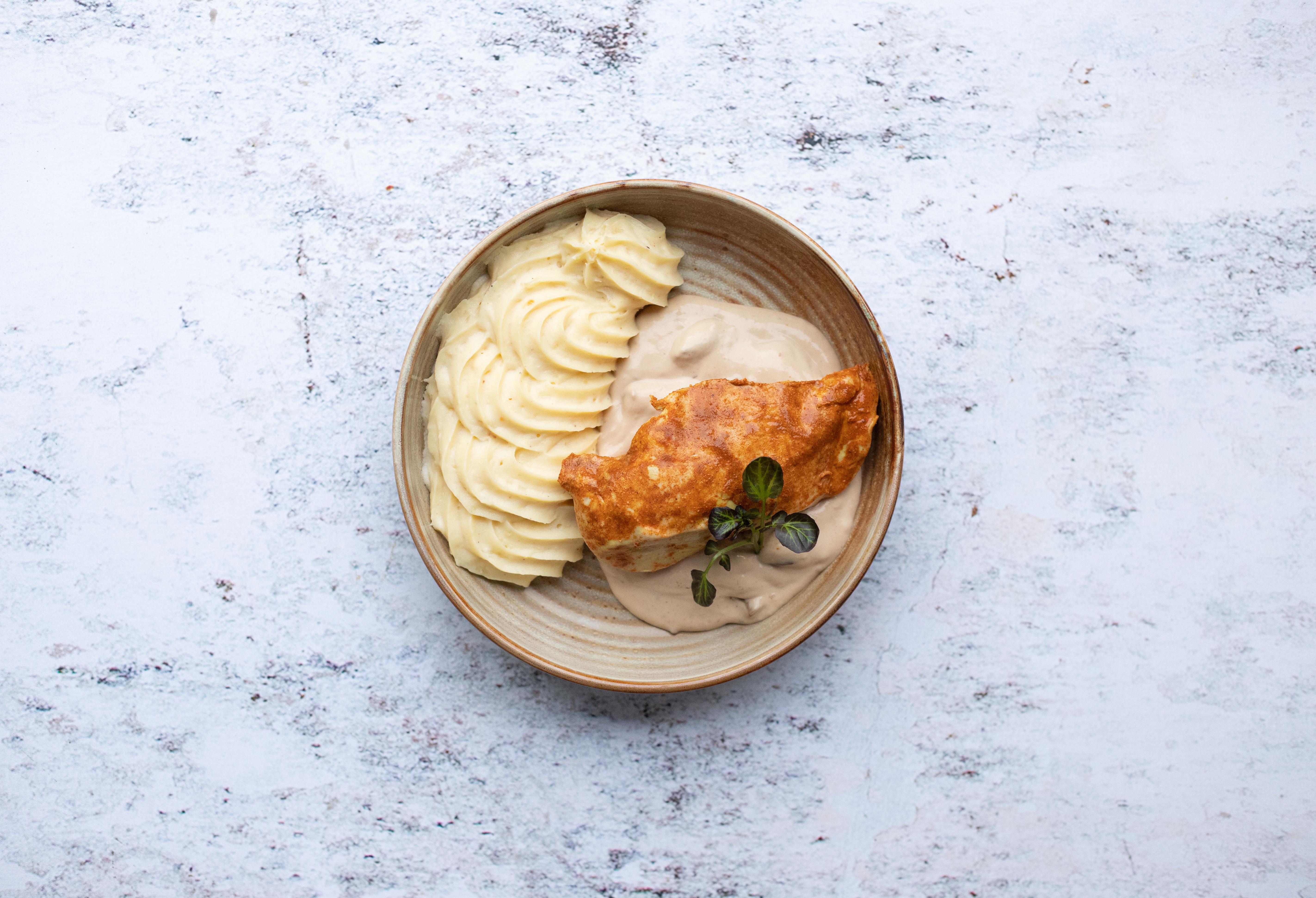 Kipfilet met champignonsaus en puree